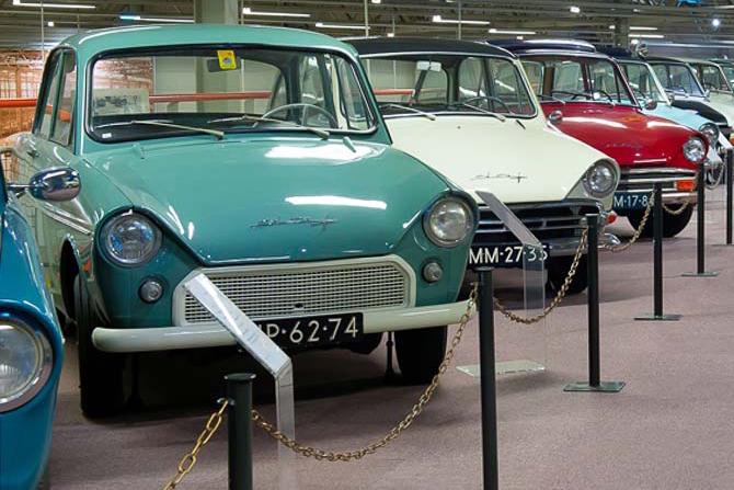 Eindhoven-DAF-Museum-001-binnenlocatie-trouwfotoskopie