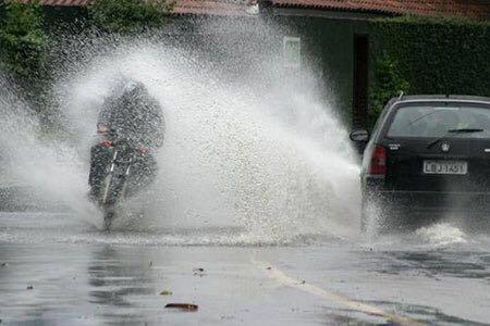 Solex rijden in de regen